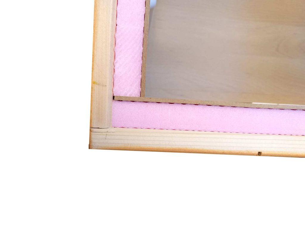 Katzenhaus orange kaufen, Detail der Isolierung